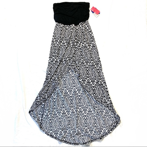 Mix & Co. Dresses & Skirts - Mix & Co. Small High-Low Black And White Dress NWT